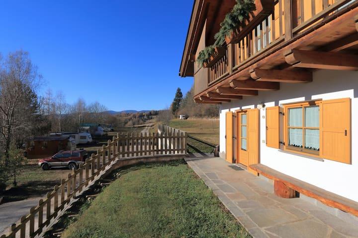 Attic apartment at agritur Perlaie - Cavalese - Apartament
