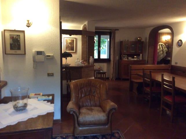 Casa Giovanna - Roncole Verdi - Apartamento