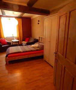 1-Raum-Apartment für 2 bis 4 - Haldensleben - ที่พักพร้อมอาหารเช้า