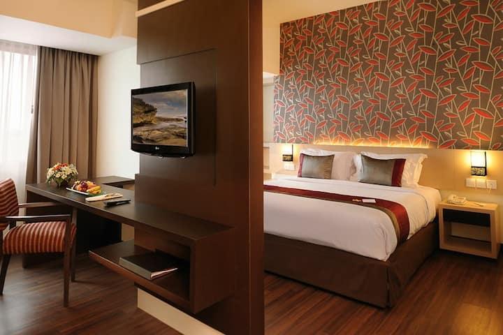 TERMURAH- Deluxe Room Paragon Apartement