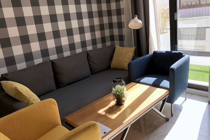 Luxury Pop Art Apartment #601