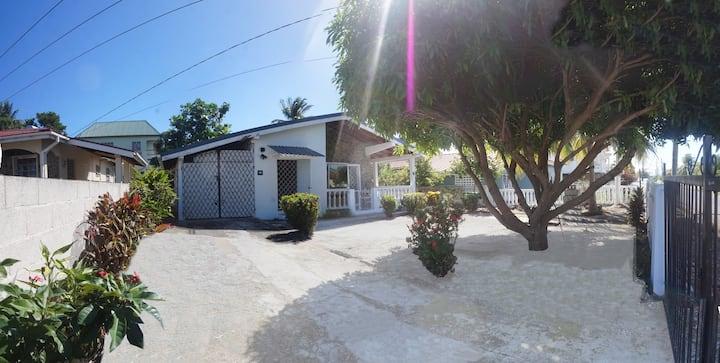 Nightingale house / Maison de rossignol 3 bedrooms