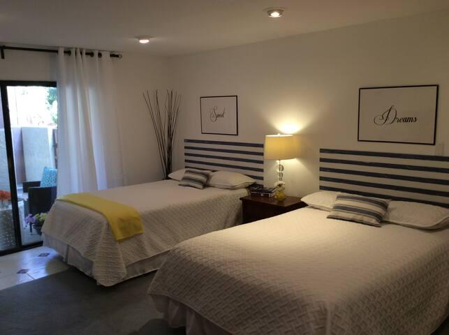 Beautiful Private En-suite - Private Entrance
