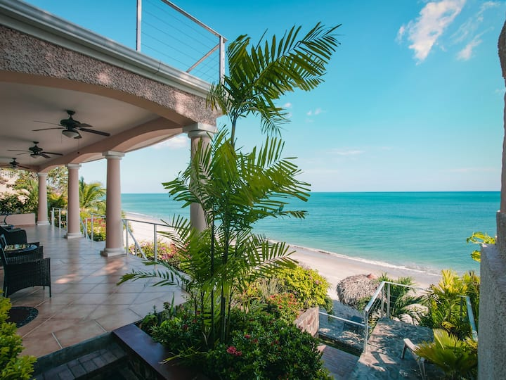 ASTOUNDING OCEANFRONT ONE BEDROOM APARTMENT