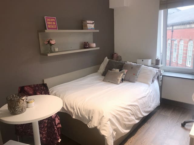 1 bed flat in center of Newcastle