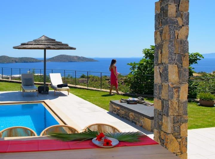 """Notos"" Villa with private pool"