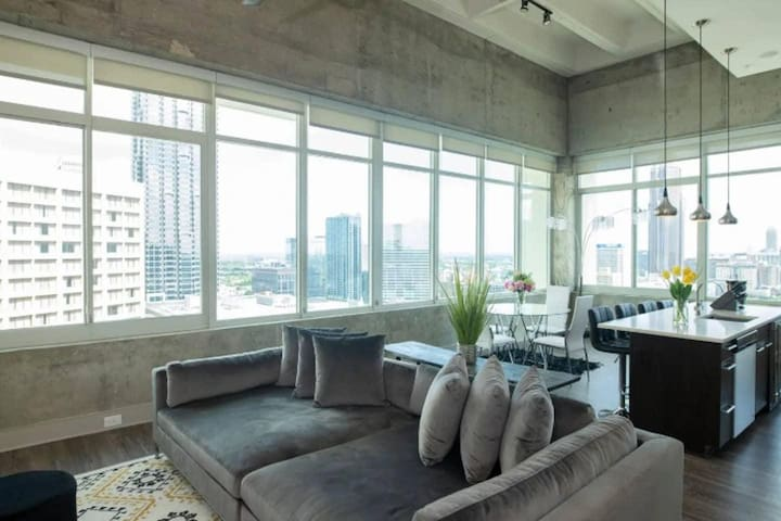 THE MERCEDES · ♦️NOHOTEL | MIDTOWN | LUXURY PENTHOUSE