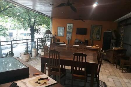 Suite no Jardim Oceanico, Barra da Tijuca