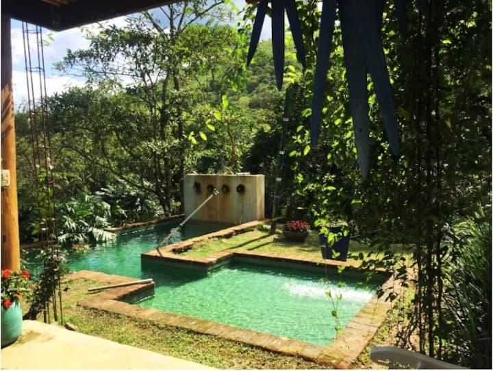 Casa na montanha c/ cachoeiras - Francisco Xavier