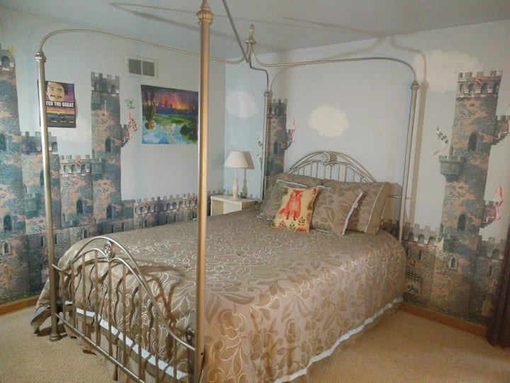 Castle Room in the Grove
