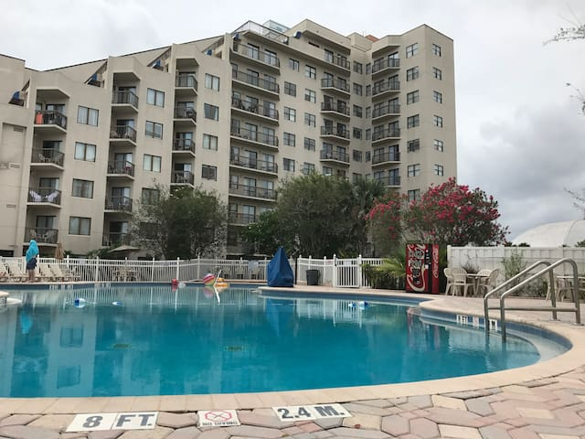 Studio with beautiful views in heart of Orlando