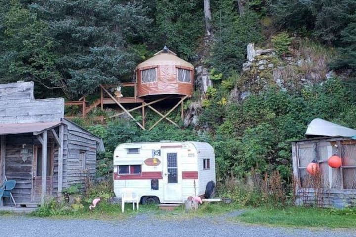 Bald Eagle Bungalow perched on the mountainside!
