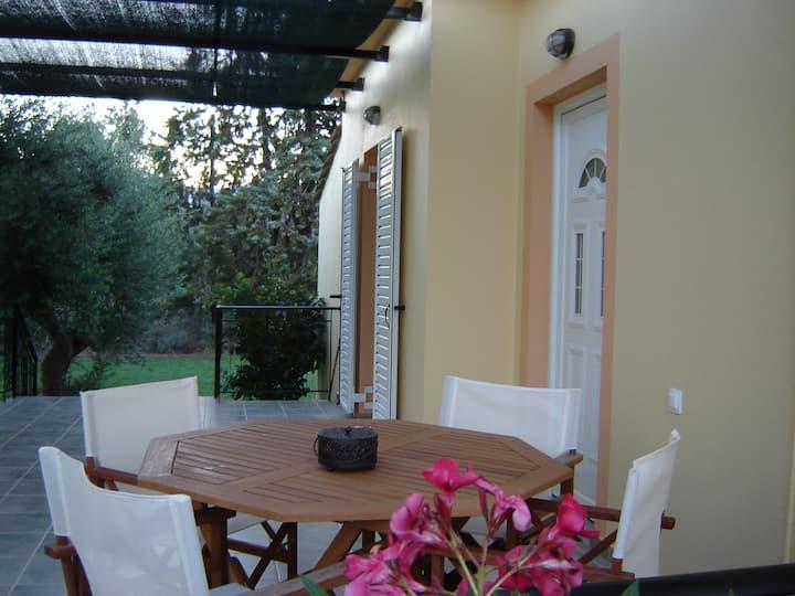 Guest Houses - ΑΝΘΟΣ 3 ενοικιαζόμενα δωμάτια
