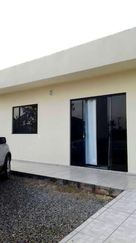 Casa próximo da lagoa - Balneário Barra do Sul/SC