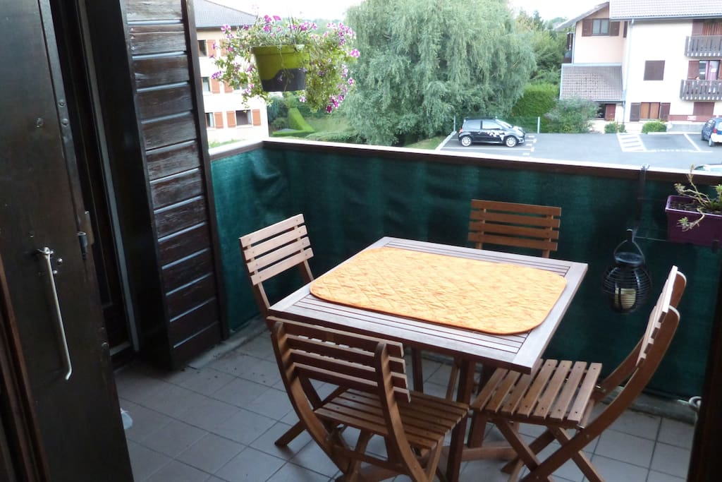 Vue imprenable mont blanc appartements louer gex for Chambre a louer gex