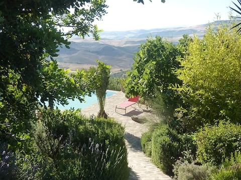 Casita i piscina úniques amb vistes excepcionals