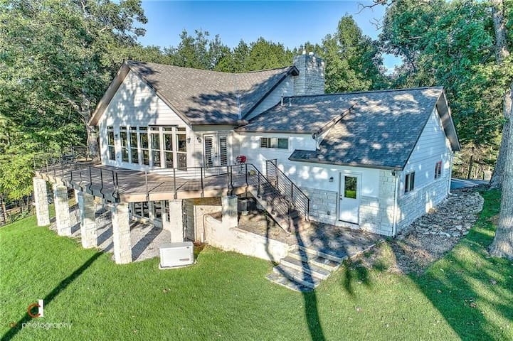 Back of house overlooking Beaver Lake