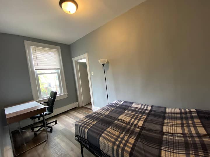Cozy WFH Space + Close to NYC and Transportation