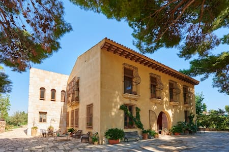 Historical Superb Villa&Private Pool in White Cost - Mutxamel