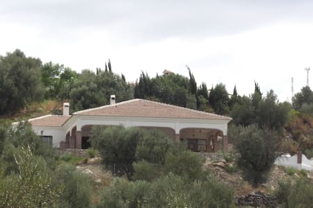 Beautiful villa with Stunning Views - Alcaucín - Villa