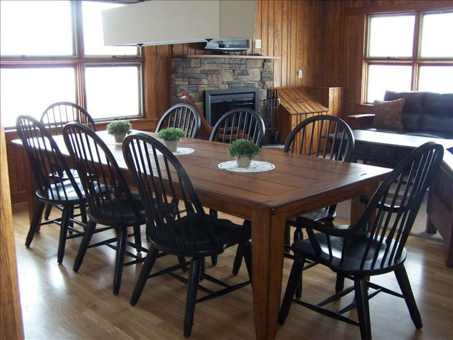 Dining room- table seats 8 comfortably
