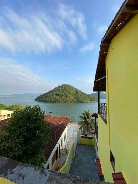 Casa de 3 andares de frente para o mar