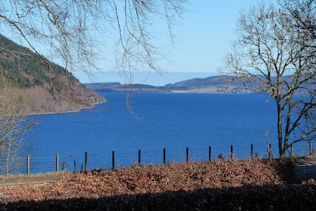 Urquhart Bay B&B, Loch Ness Views. - Drumnadrochit