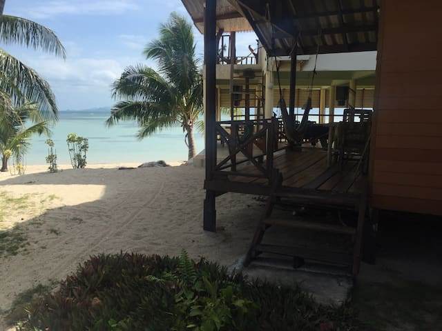 Mama Triple Beach Bungalow ON THE BEACH (Ban Tai) - Ban Tai - Bungalow