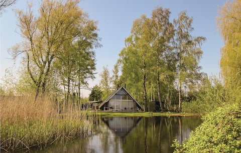 Holiday cottage with 2 bedrooms on 81m² in Strøby