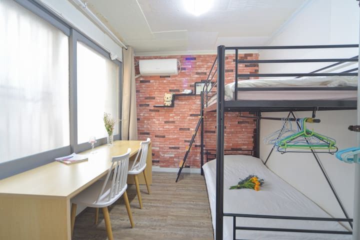☆Room W - Longtime rent ★FEMALE ONLY★