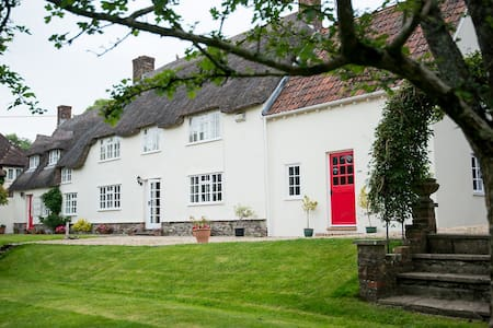 Higher Tything Cottage Bed & Breakfast - Piddletrenthide - Bed & Breakfast
