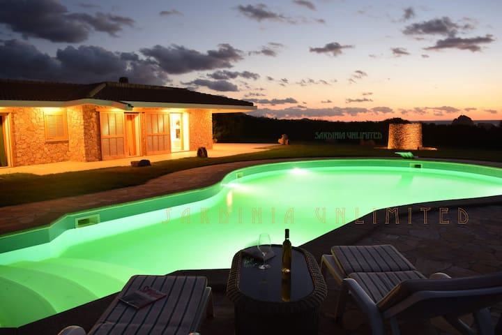 Villa Du Fay with private pool - Portobello