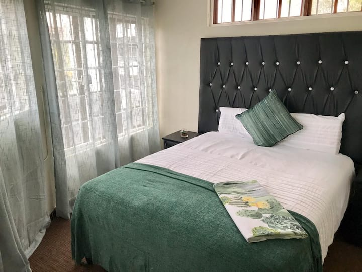 Small Cottage in  the Heart of Sandton