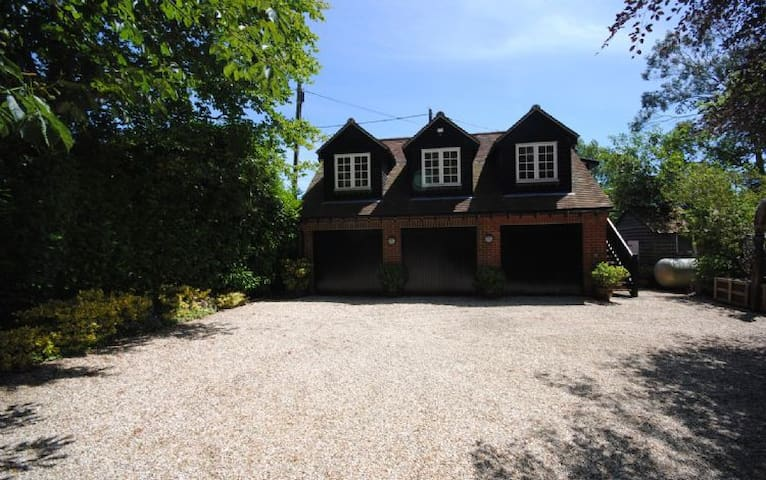 Oldbury Cottage, Easthampnett - East Hampnett - Byt