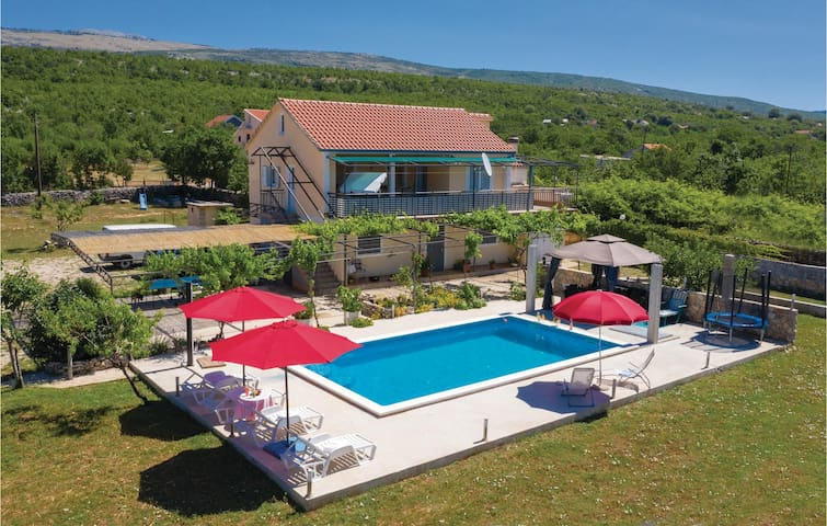 Holiday cottage with 2 bedrooms on 60m² in Donje Ogorje