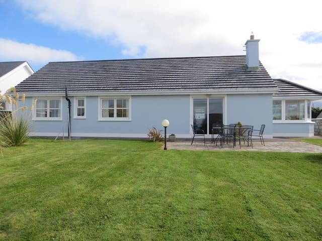 Seaside home on the wild Atlantic Way - Fenit - House