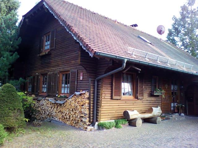 Hengstler' s Blockhaus ( nähe HFU,Messe,MH-Trossi) - Deißlingen - Byt