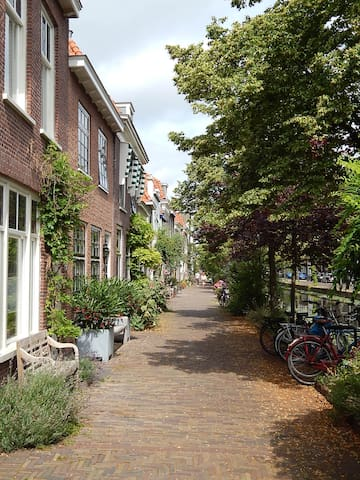Buitenwatersloot (just around the corner from us): arguably the most picturesque canal in Delft