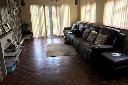 Welcoming spacious fully furnished  home