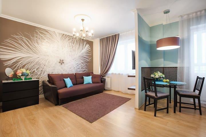 Стильная квартира-студия Токарей 26 10 этаж - Yekaterinburg - Apartemen