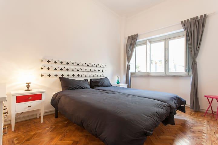 Lisboa Arte Hostel - Twin/double Room - Lisboa - Bed & Breakfast