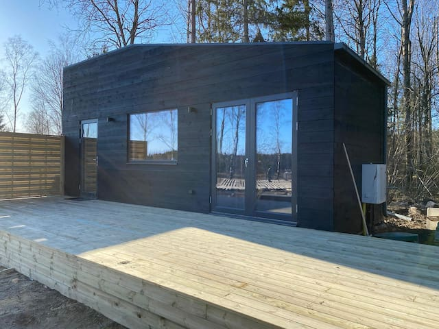 New built tiny house in forest 25 min to Stockholm