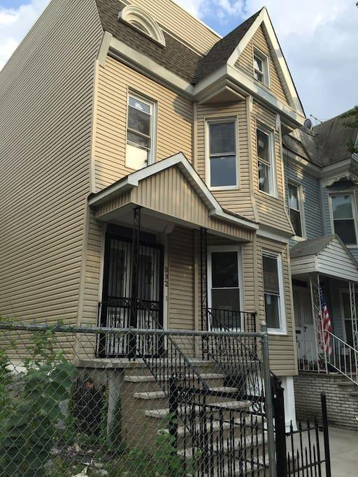 House exterior to garden level apartment