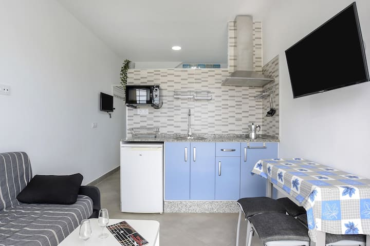 """Cozy Apartment """"Ríosur"""" Close to the Centre and the Beach with Wi-Fi; Parking Available"""