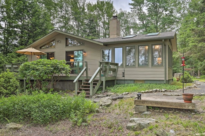 NEW! Lakefront Gouldsboro Home w/Deck + Sand Beach