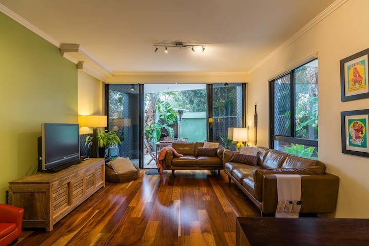 Large kid-friendly 3 bed apartment - Wolli Creek - Διαμέρισμα