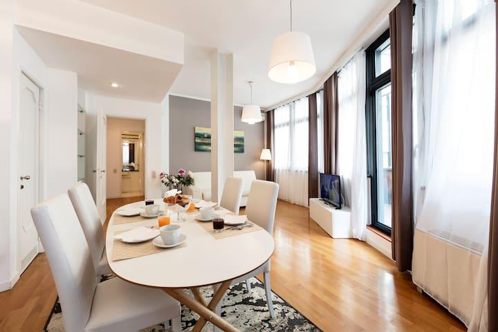 Splendido appartamento con terrazza Duomo-4ospiti
