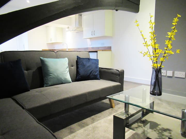 Flat 6, triplex apartment sleeps 5