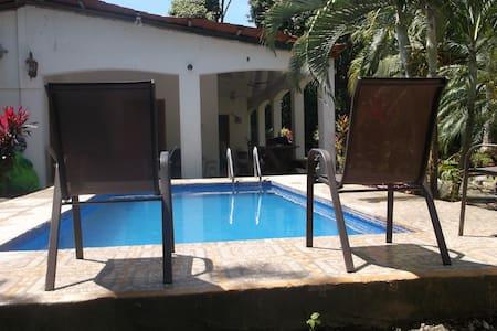 Playa Pita Beach Villa - Jacó