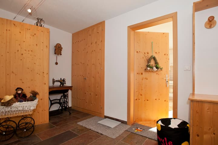 Ferienwohnung Wieser, (Sent), Apartment for 2-3 people